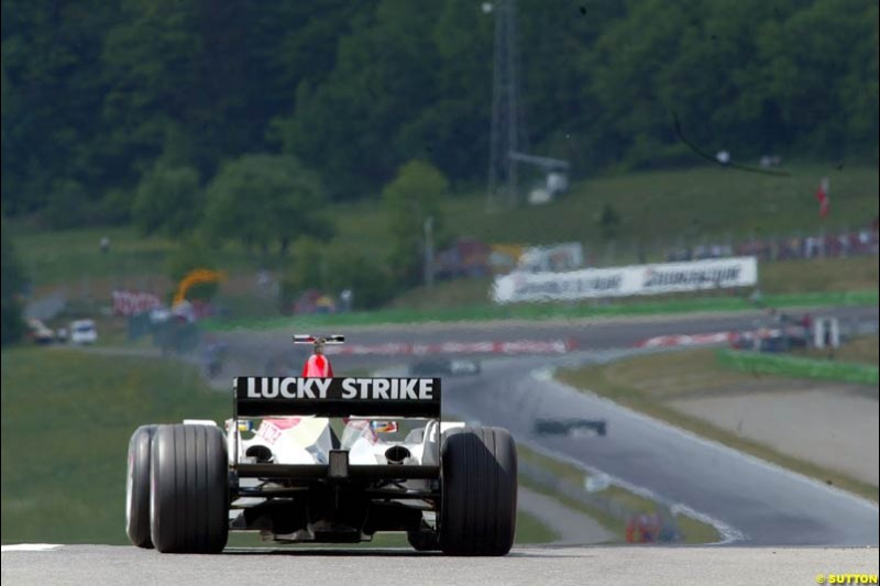 BAR during qualifying for the Austrian Grand Prix. A1-Ring, Spielberg, Austria. May 17th 2003.