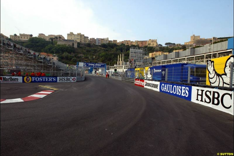 Changes to the Monaco Grand Prix layout: the entrance to the swimming pool complex. May 28th 2003.
