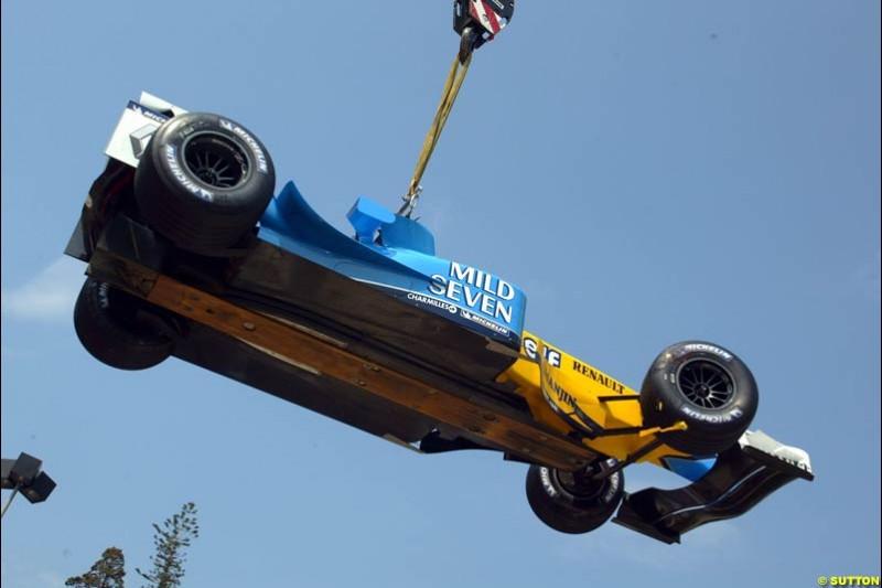 Jarno Trulli's car towed away. Thursday, Monaco Grand Prix. Monte Carlo, May 29th 2003.