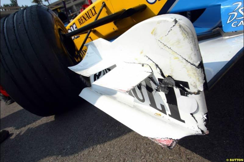 Damage to Jarno Trulli's car. Thursday, Monaco Grand Prix. Monte Carlo, May 29th 2003.