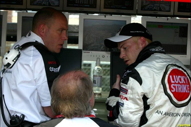 Jacques Villeneuve and Dave Richards, BAR. Thursday, Monaco Grand Prix. Monte Carlo, May 29th 2003.