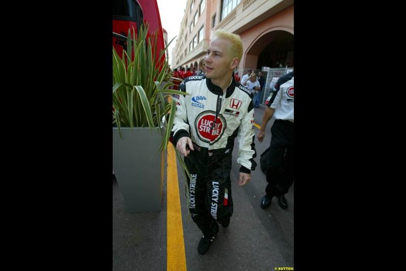 Jacques Villeneuve is blonde again. Thursday, Monaco Grand Prix. Monte Carlo, May 29th 2003.