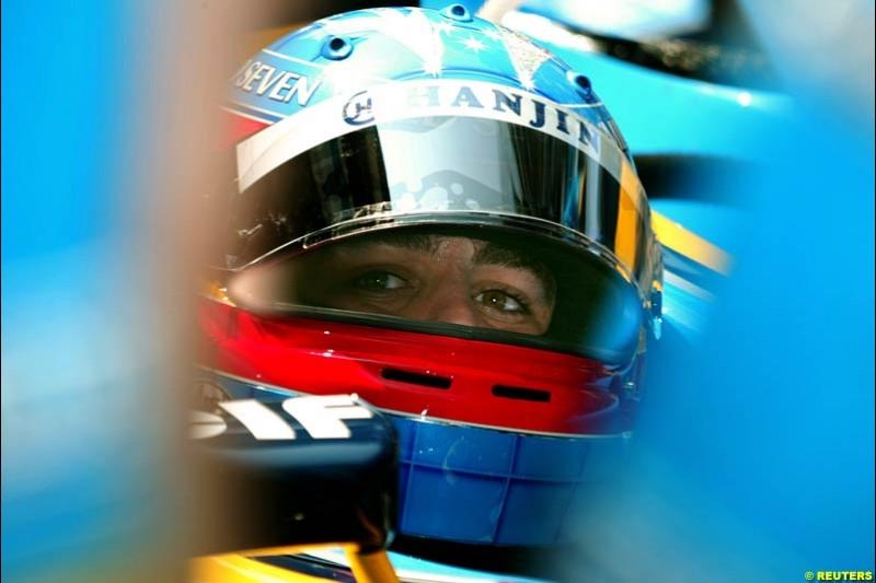 Fernando Alonso, Renault. Thursday practice, Monaco Grand Prix. Monte Carlo, May 29th 2003.