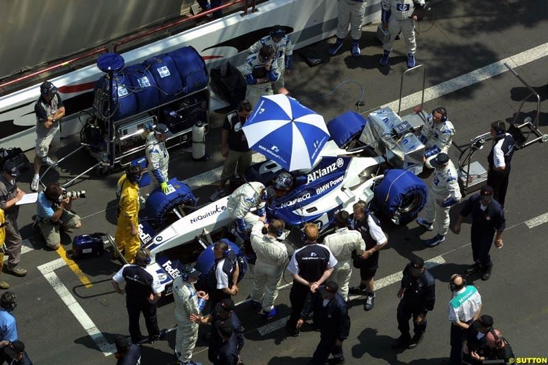 Williams prepare for the race. Monaco Grand Prix, Sunday, June 1st 2003.