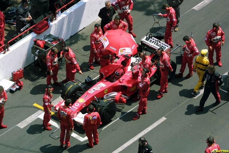 Ferrari prepare. Monaco Grand Prix, Sunday, June 1st 2003.
