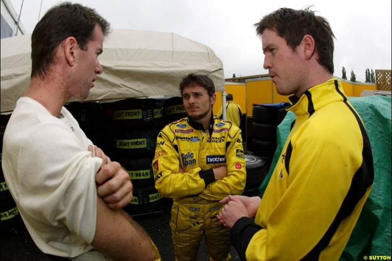 Ralph Firman, Jordan, chats to Giancarlo Fisichella, Jordan, and Rob Smedley, Jordan Race Engineer. Canadian Grand Prix, Montreal, Saturday, June 14th 2003.