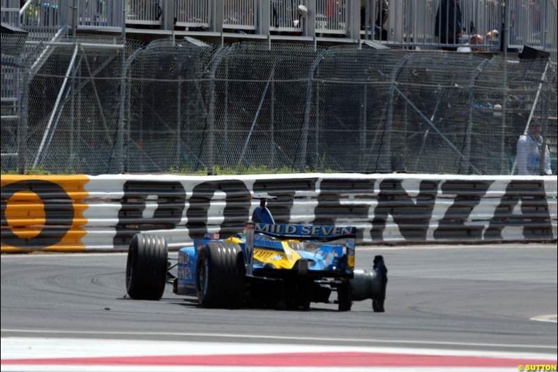 Jarno Trulli, Renault, suffers a tyre failure. Canadian Grand Prix, Montreal, Sunday, June 15th 2003.
