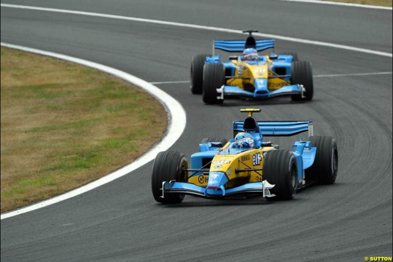 The two Renaults. French Grand Prix at Magny Cours. Circuit de Nevers, France. Sunday, July 6th 2003.