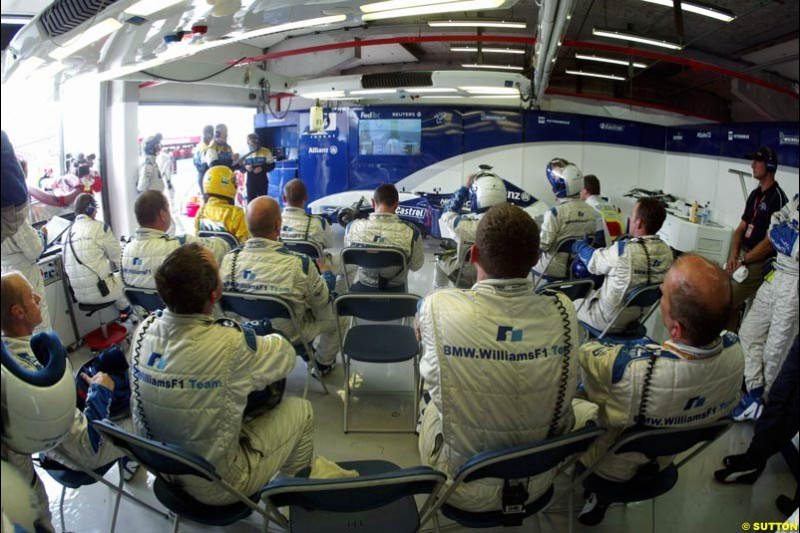 The Williams Team. French Grand Prix at Magny Cours. Circuit de Nevers, France. Sunday, July 6th 2003.