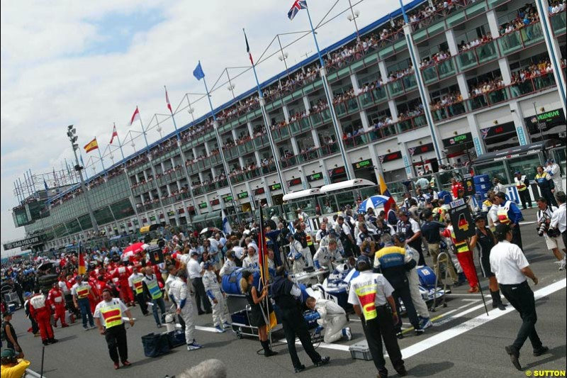The grid ahead of the race. French Grand Prix at Magny Cours, France. Sunday, July 6th 2003.