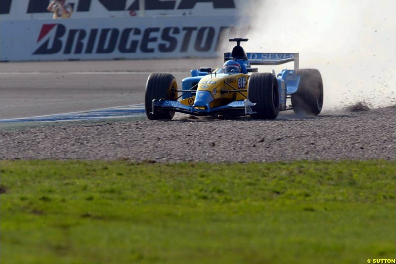 Fernando Alonso, Renault, runs wide over the gravel during practice. German Grand Prix, Hockenheim, Germany. Saturday, August 2nd 2003.