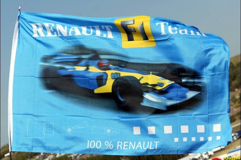Renault Fans. Hungarian Grand Prix Saturday. Hungaroring, Budapest. 23rd August, 2003.