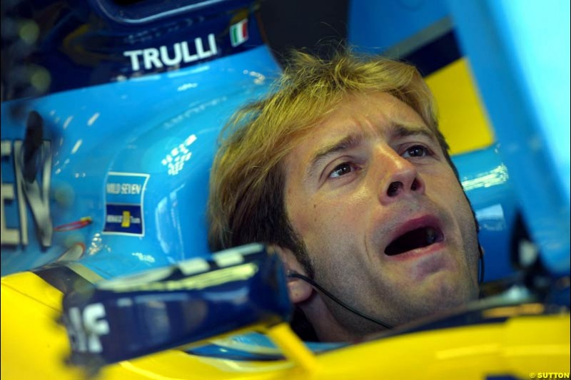 Jarno Trulli, Renault. Hungarian Grand Prix Saturday. Hungaroring, Budapest. 23rd August, 2003.