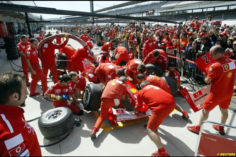 Ferrari practice pitstops. United States GP, Indianapolis Motor Speeway. Thursday, September 25th 2003.