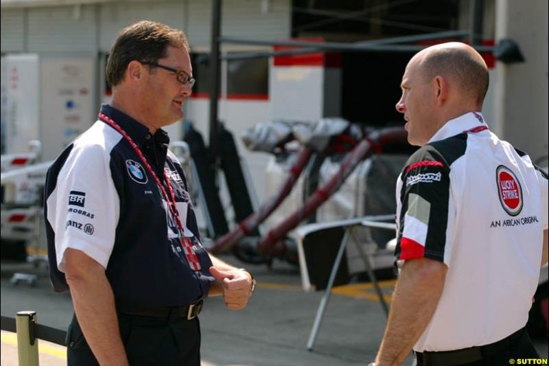 Frank Dernie, Williams, with Jock Clear, BAR. Japanese Grand Prix, Suzuka, Japan. Saturday, October 11th 2003.