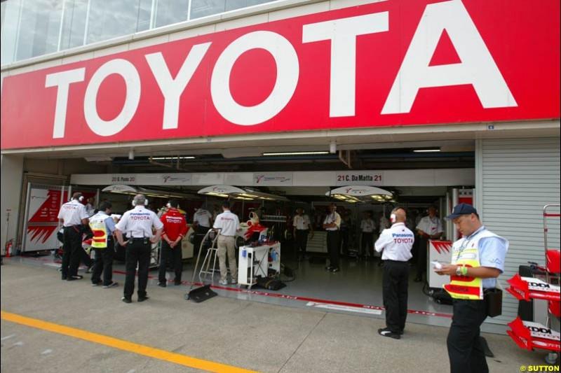The Toyota garage. Japanese Grand Prix, Suzuka, Japan. Saturday, October 11th 2003.