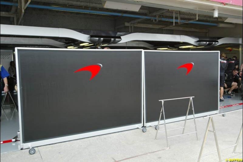 McLaren seal their garage. Japanese Grand Prix, Suzuka, Japan. Saturday, October 11th 2003.