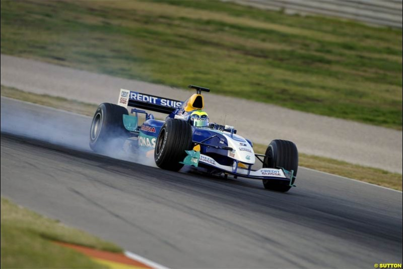 F1 Testing at Valencia, Spain. January 27th 2004. Felipe Massa, Sauber, locks while braking.