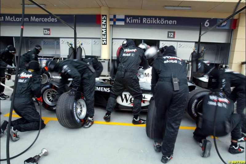 McLaren practice pitstops. Bahrain Grand Prix, Bahrain International Circuit. April 1st, 2004.