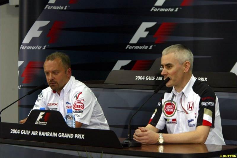 Mike Gascoyne, Toyota, and Geoff Willis, BAR, at the FIA press conference. Bahrain Grand Prix, Bahrain International Circuit. April 1st, 2004.