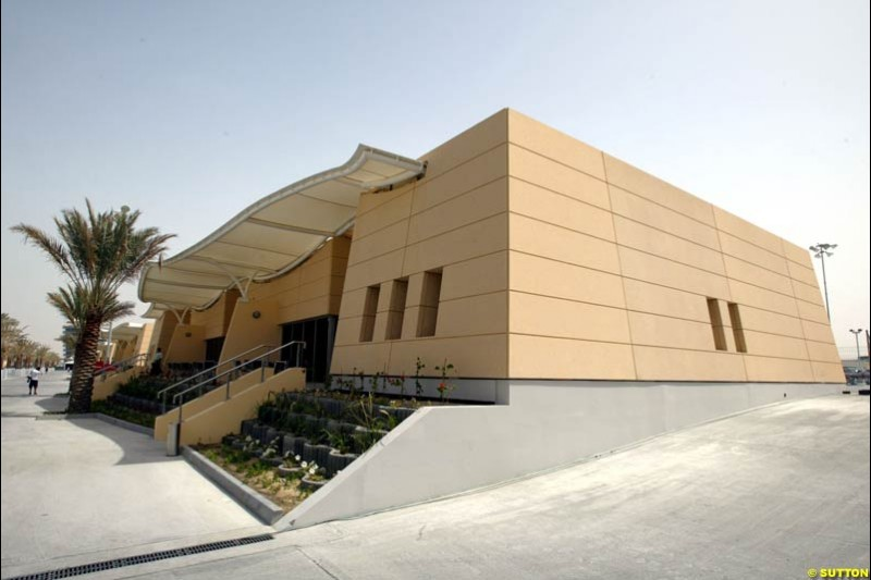 Paddock buildings. Bahrain Grand Prix, Bahrain International Circuit. April 1st, 2004.