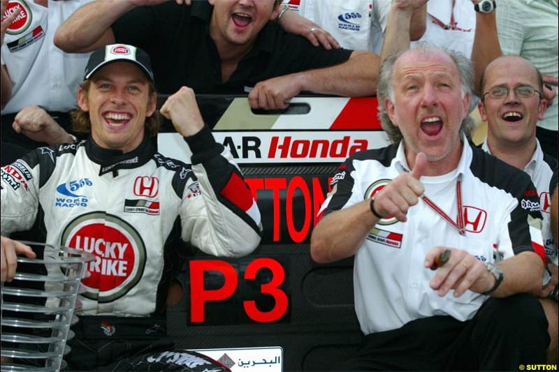 BAR celebrate. The Bahrain Grand Prix. Bahrain International Circuit, April 4th 2004.