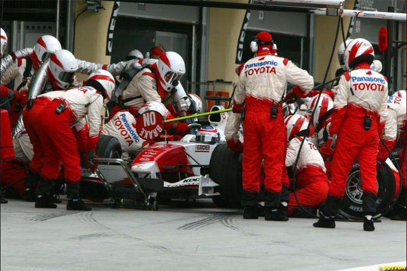 Toyota pitstop. The Bahrain Grand Prix. Bahrain International Circuit, April 4th 2004.