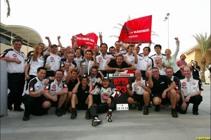 BAR celebrate another third place. The Bahrain Grand Prix. Bahrain International Circuit, April 4th 2004.