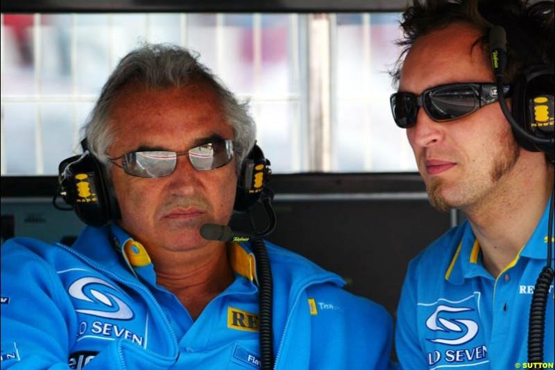 Flavio Briatore and Franck Montagny (Test Driver), Renault, Spanish GP, Friday May 7th, 2004.