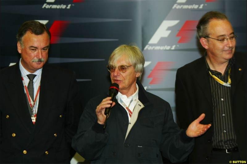 Bernie Ecclestone, F1 Supremo, announces a new Spanish Grand Prix deal for Barcelona. Spanish Grand Prix Saturday. Circuit de Catalunya. Barcelona, Spain. May 8th 2004.