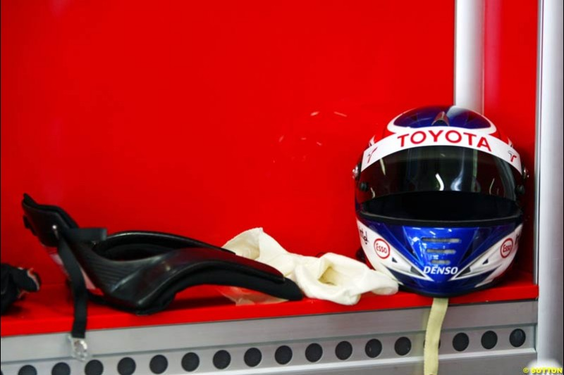 Olivier Panis' driving gear, Toyota, Spanish GP, Saturday May 8th, 2004.