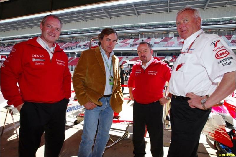 Carlos Sainz with Richard Cregan, Mike Gascoyne, and Ove Andersson; Toyota, Spanish GP, Saturday May 8th, 2004.