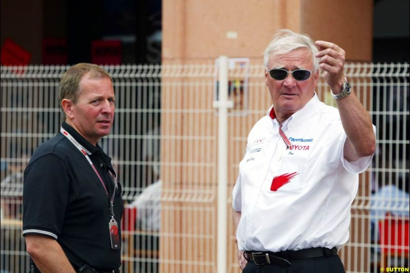 Martin Brundle and Ove Andersson, Toyota; Monaco GP, Thursday May 20th, 2004.