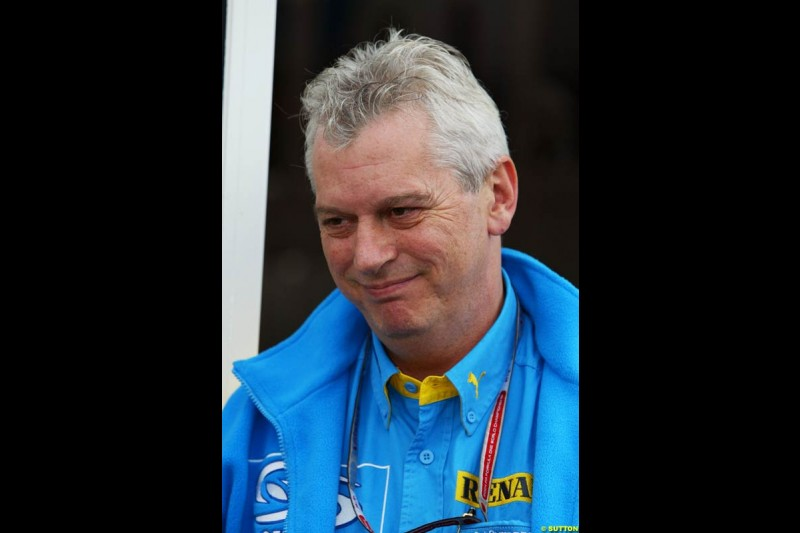 Pat Symonds, Renault, European GP, Thursday May 27th, 2004.