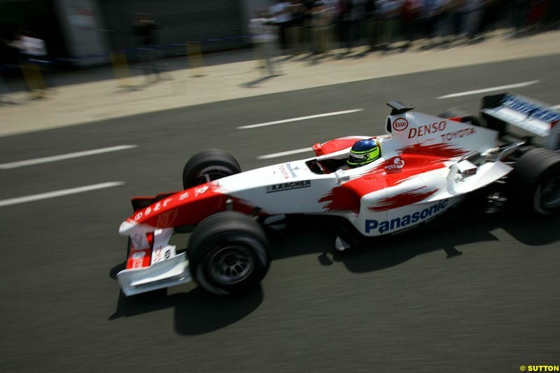 Cristiano da Matta, Toyota, Silverstone Testing, Wednesday June 2nd, 2004.