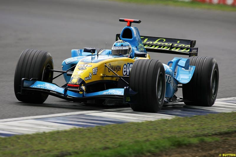 Jarno Trulli, Renault, Silverstone Testing, Wednesday June 2nd, 2004.