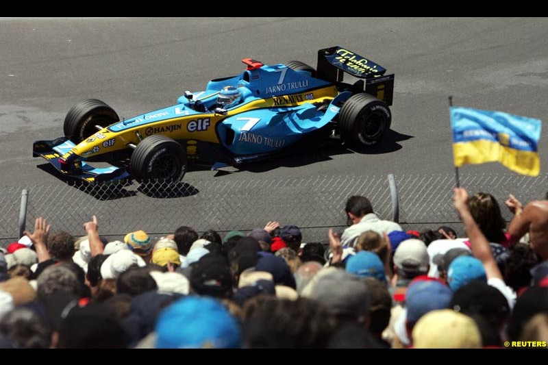 Jarno Trulli, Renault, during qualifying. The Canadian Grand Prix. Montreal, Canada, 12 June 2004.