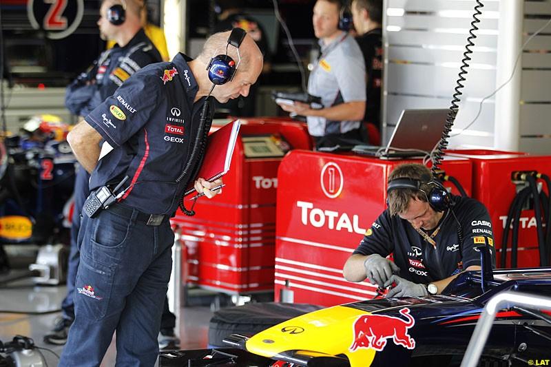 Adrian Newey, Red Bull Racing, Practice, Formula One World Championship, Round 15, Japanese Grand Prix, Suzuka Circuit, Mie Prefecture, Japan. Friday 5 October 2012.