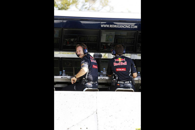 Christian Horner, Red Bull Racing, Practice, Formula One World Championship, Round 15, Japanese Grand Prix, Suzuka Circuit, Mie Prefecture, Japan. Friday 5 October 2012.