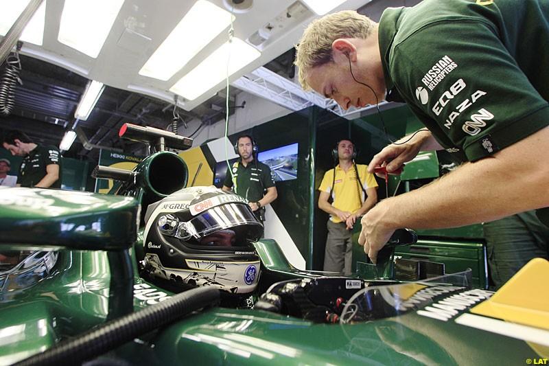 Giedo van der Garde, Caterham CT01, Practice, Formula One World Championship, Round 15, Japanese Grand Prix, Suzuka Circuit, Mie Prefecture, Japan. Friday 5 October 2012.