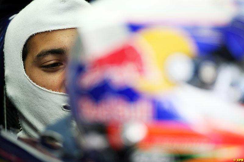 Daniel Ricciardo, Toro Rosso, Practice, Formula One World Championship, Round 15, Japanese Grand Prix, Suzuka Circuit, Mie Prefecture, Japan. Friday 5 October 2012.