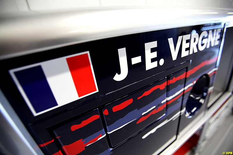 Signage for Jean-Eric Vergne, Toro Rosso, Practice, Formula One World Championship, Round 15, Japanese Grand Prix, Suzuka Circuit, Mie Prefecture, Japan. Friday 5 October 2012.