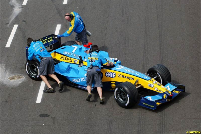 Jarno Trulli, Renault, British GP, Friday July 9th, 2004.