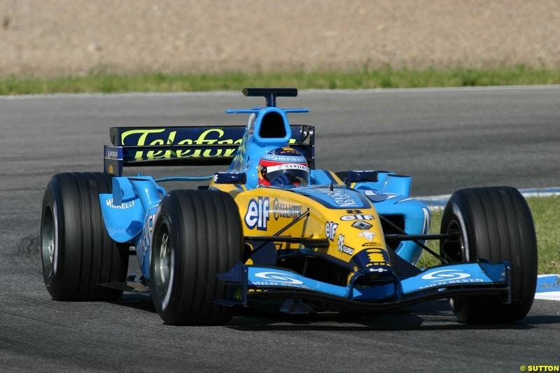 Fernando Alonso, Renault, Jerez testing, Thursday July 15th, 2004.