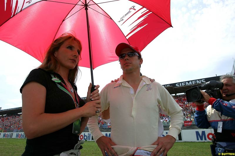 Olivier and Anne Panis, German GP, Sunday July 25th, 2004.