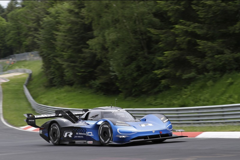 Dumas at the wheel of the VW ID.R chasing the electric record