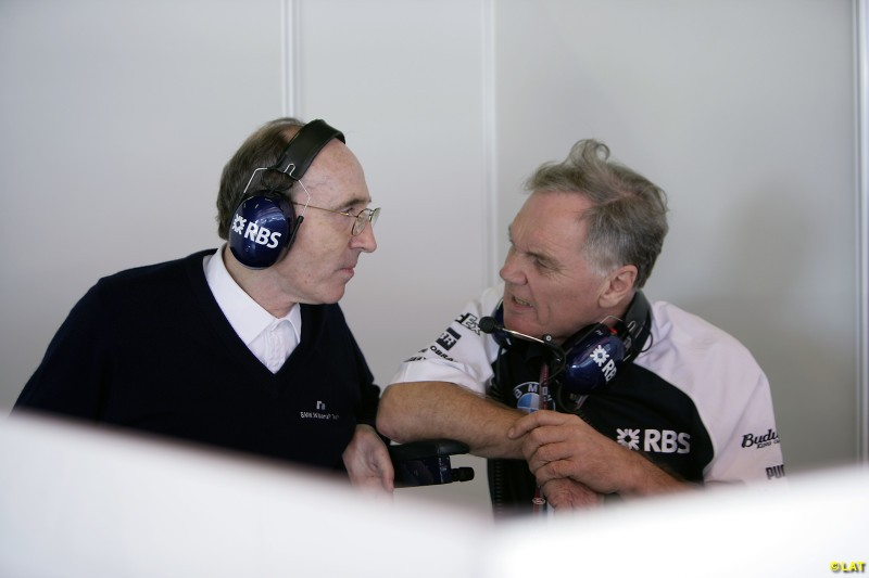 Long-serving technical director Head (right) stood down in 2004, handing over the reins to Australian engineer Sam Michael.