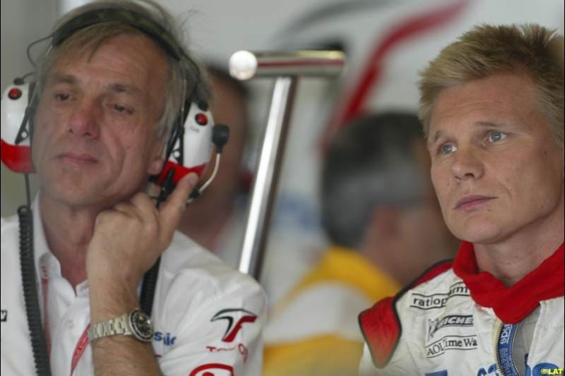 2002 Spanish Grand Prix, Barcelona, Spain. Friday, 25th April 2002. Mika Salo, Toyota