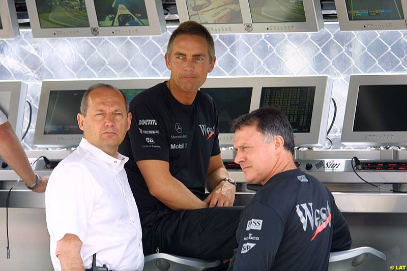 2002 Austrian Grand Prix - Friday free practice. A1 Ring, Austria. 10th May 2002. Ron Dennis and Martin Whitmarsh, McLaren