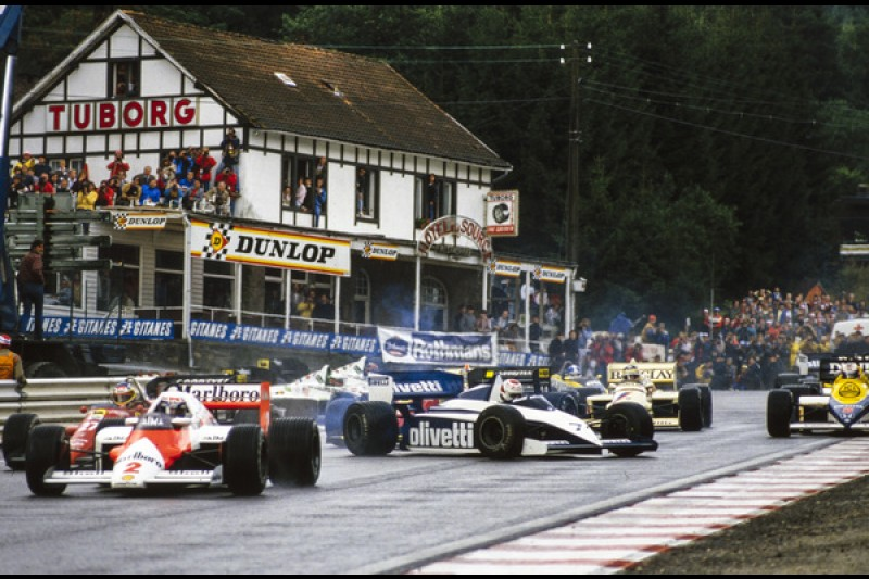 As a goodnight present - some more classic Spa action from the Motorsport Images archive: Alain Prost leads as things go awry for Nelson Piquet in 1985